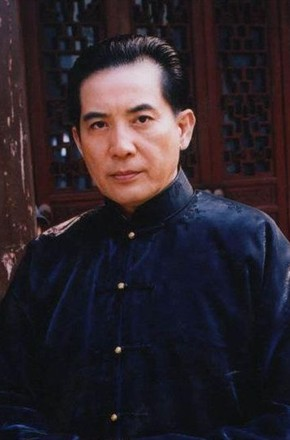 主演:周雨彤,侯明昊,贺军翔,秦汉
