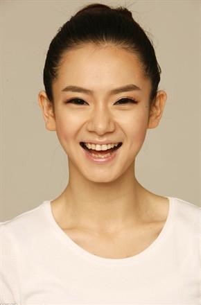 主演:迪丽热巴,郑恺,黄景瑜,戚薇,李承炫