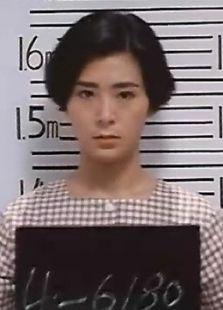 女子监狱背景图